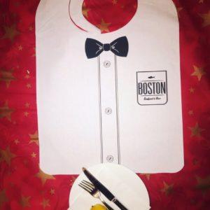 Нагрудник для гостей ресторана бумажный с межслойной ламинацией одноразовый